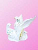 Фарфоровая фигура: голуби с камнями, один с расправленными крыльями (фф-21)