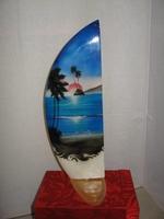 Индонезия сёрф 17см. на деревян.подст.(с-22)