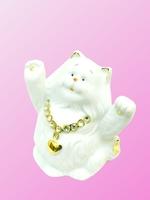 Фарфоровая фигура: кот с камнями и сердцем (фф-29)
