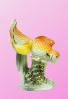 Фарфоровые фигурки: рыба на водорослях, 4 расцветки (фф-33)