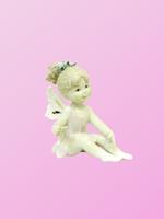Фарфоровая фигура: девочка-ангел сидит, 3 вида (фф-50)