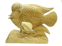 Рыба денежная суара (мэх) плывущая с подставкой (рс-05)
