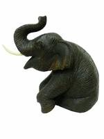 Слон тиковый сидя, хобот вверх (ст-52)