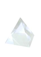 Хрустальные изделия: пирамида, хрусталь (хи-17)