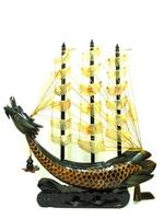 Корабль из рога с бахромой (рг-13)