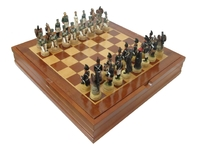 Шахматы с пластиковыми фигурами (ш-128)