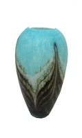 Ваза стеклянная голубая с темными вставками (вс-17)