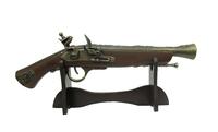 Оружие сувенирное: пистоль на подставке (ос-65б)