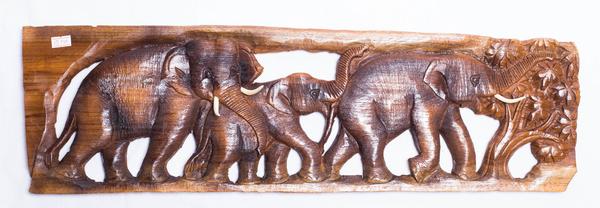 Панно тиковое: три слона (пт-120)