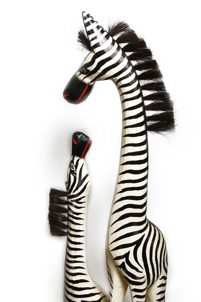 Две зебры на круглой подставке (з-74)