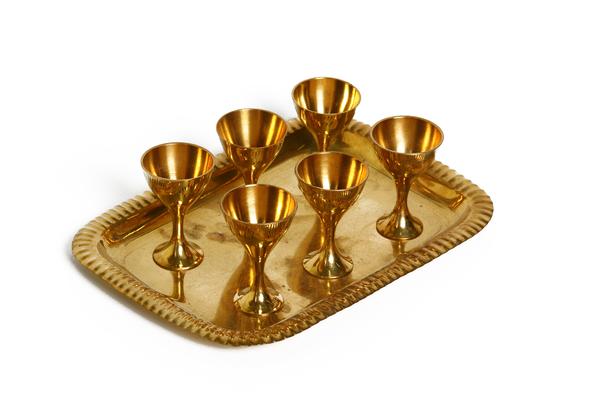 Набор латунный, (Индия), 6 рюмок на разносе (нр-10)